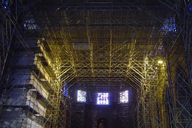 Andamio interior de sujeción Iglesia